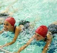 gyógytestnevelés, úszás